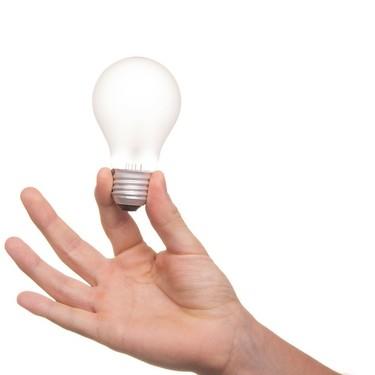 El 31 de diciembre finaliza el plazo para renovar el bono eléctrico y beneficiarse del bono térmico, y las familias numerosas pueden solicitarlo