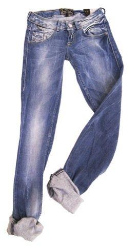 Bershka, jeans claro