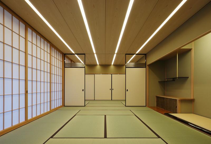 Foto de Kidosaki Architects, casa rural japonesa (II): residencia y galería de arte (4/5)