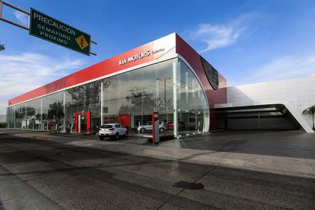 Sólo el 6% de los consumidores en México planean comprar auto en los próximos 12 meses