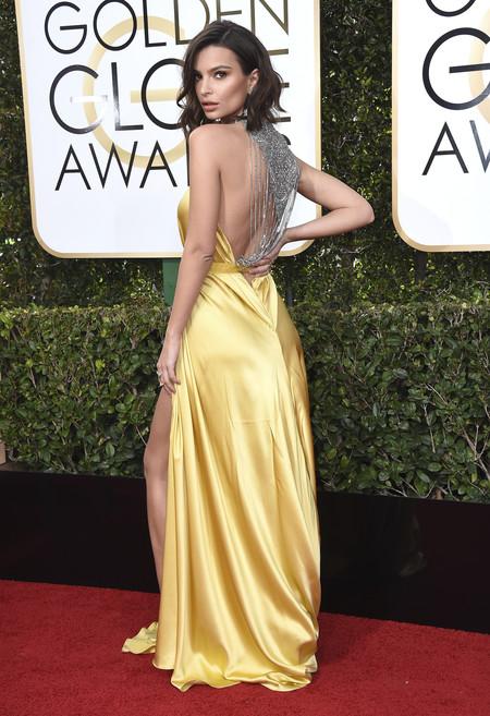 Globos de Oro 2017: Emily Ratajkowski triunfa con su melena midi