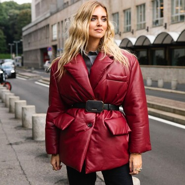 Este es el blazer acolchado de Prada que más triunfa en el street style (y no nos extraña)