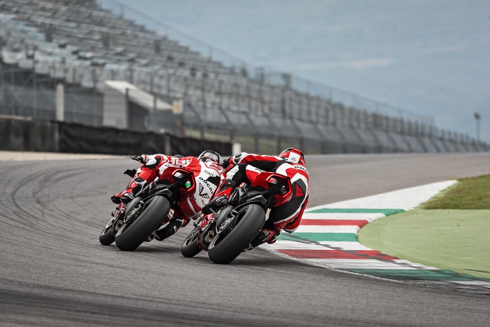 Foto de Ducati Panigale V4 R 2019 (38/87)