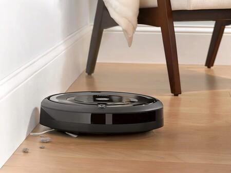 Nos olvidamos de barrer con este robot aspiradora Roomba, ahora un 40% más barata en Amazon (más aún si tienes mascotas)