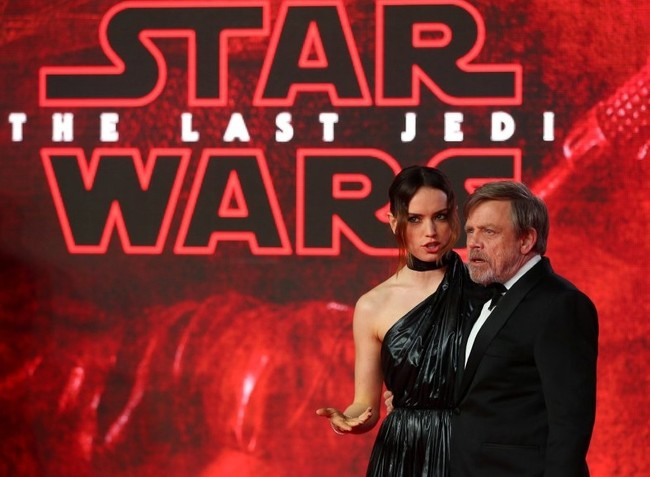 Daisy Ridley with Mark Hamill