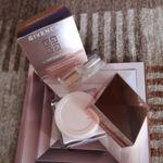 La intemporalidad según Givenchy pasa por la luminosidad del rostro