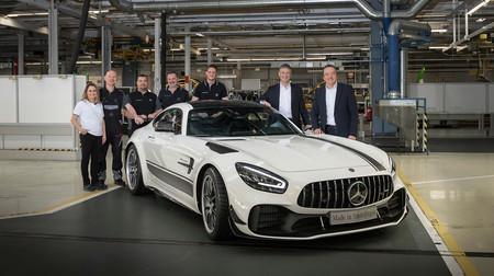 Comienza la producción del nuevo Mercedes-AMG GT y el primero en salir de fábrica ha sido... ¡un GT R PRO!