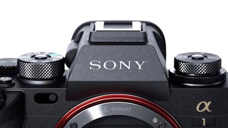 Las nuevas Sony A1, Fujifilm x-E4 y GFX100S, marketing para foto de bodas y más: Galaxia Xataka Foto