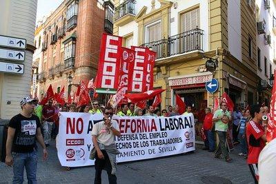 La CEOE plantea regular el derecho a huelga