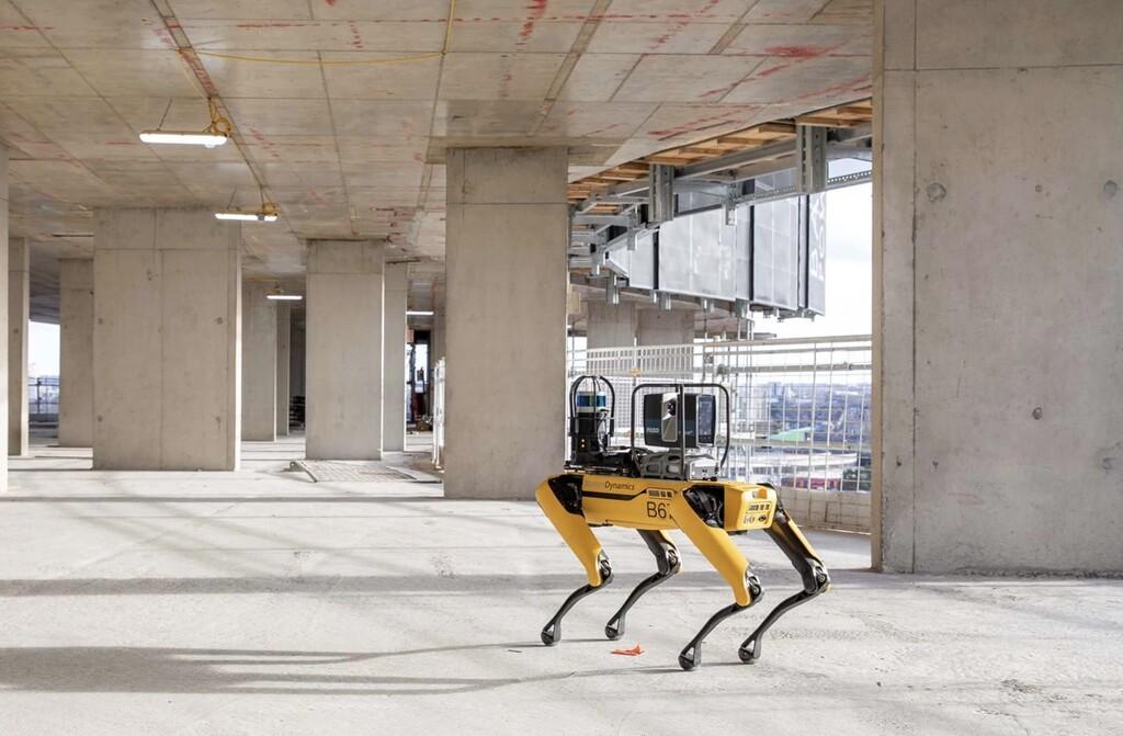 Spot de Boston Dynamics en este momento además trabaja en la construcción: monitoriza los edificios de Foster + Partners de apariencia autónoma