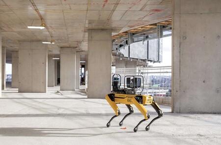 Spot de Boston Dynamics ahora también trabaja en la construcción: monitoriza los edificios de Foster + Partners de forma autónoma