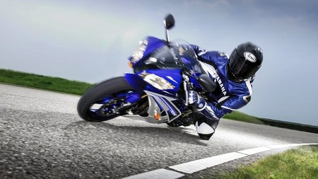 2016 Yamaha Yzf R6 Eu Race Blu Action 006