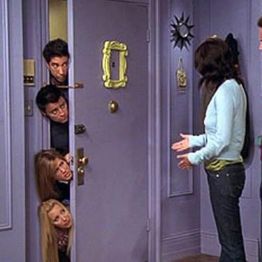 Si tu sueño siempre ha sido pasar un rato en el apartamento de Monica en «Friends», ahora podrás hacerlo sin salir de Madrid