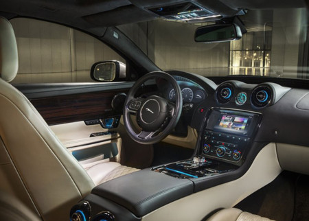 Jaguar Xj 2016 800x600 Wallpaper 05