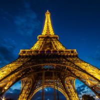 Un alojamiento realmente único. ¿Qué harías si pudieras dormir en la Torre Eiffel?