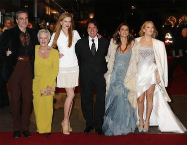 Penélope Cruz y demás famosas en el estreno de 'Nine'