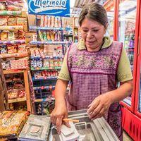 Las tienditas de la esquina en México tendrán un bot en WhatsApp y Facebook Messenger para sus ventas: esto es 'mándamelo'