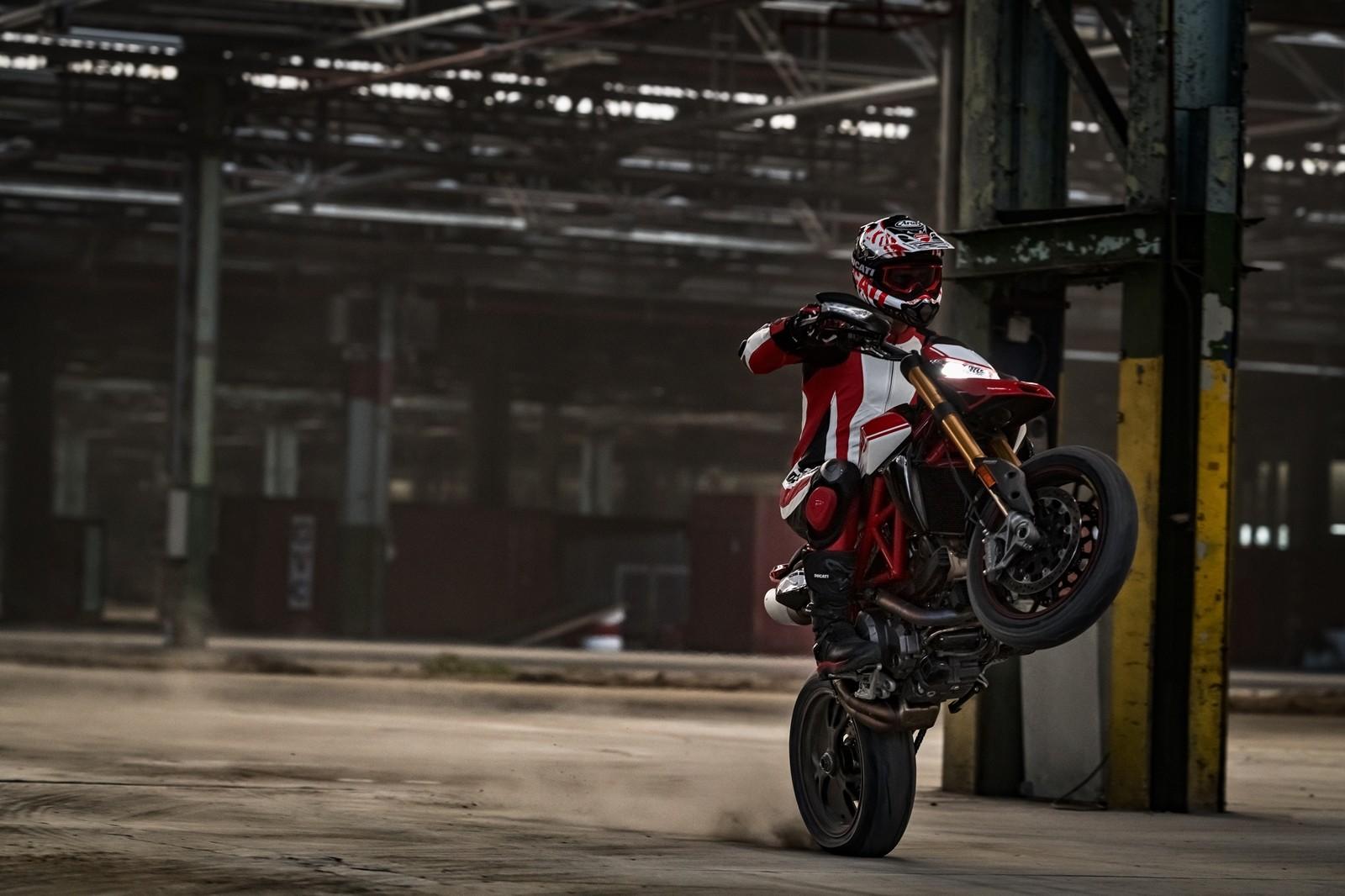 Foto de Ducati Hypermotard 950 2019 (26/76)