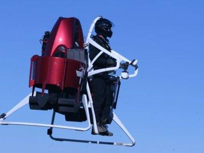 Tu sueño de volar en jetpack está por volverse realidad, claro, si tienes 200 mil dólares