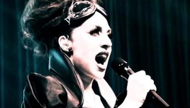 Mónica Naranjo nos mete cuarto y mitad de miedo en su nuevo videoclip