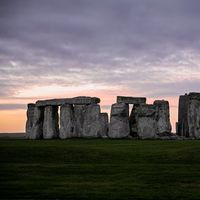 Encuentran al lado de Stonehenge un anillo de dos km de diámetro compuesto por enormes pozos subterráneos