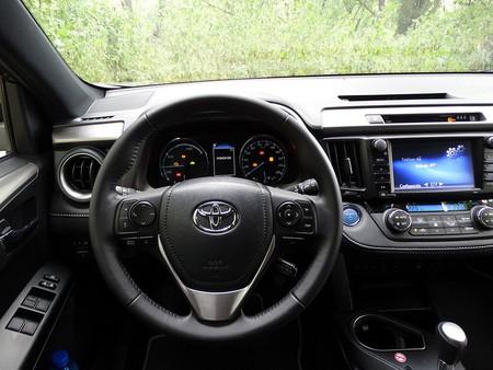 Toyota detecta airbags defectuosos y llama a revisión a más de tres millones de coches en EEUU