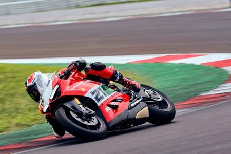 ¡Impresionante! Esta Ducati Panigale V2 es un homenaje a Troy Bayliss con alma de Superbike y 155 CV, por 22.490 euros