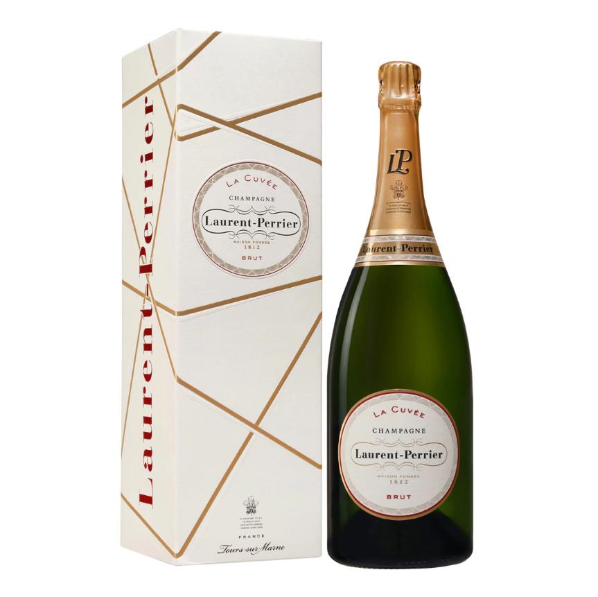 Estuche una botella Champagne Laurent-Perrier La Cuvée Mágnum. Este vino proviene del zumo más puro de la uva que permite que Laurent-Perrier elabore ''La Cuvée'', un champagne de una gran delicadeza y frescura que se obtiene tras un largo envejecimiento en nuestras bodegas.