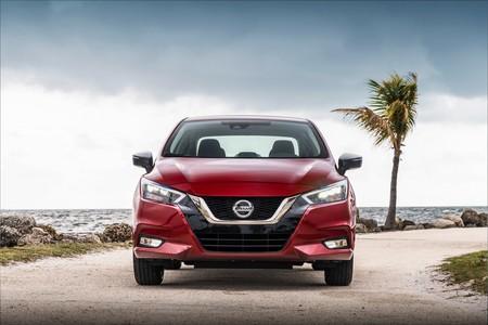 Nissan Versa 2020 4