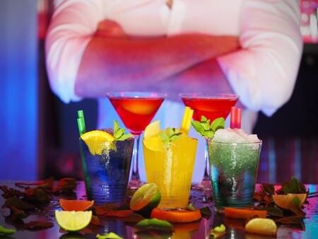 Alcohol Bar Barman 110472
