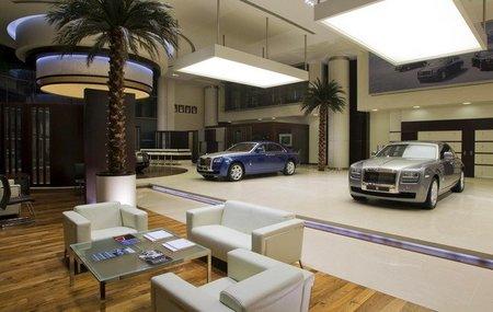 Rolls-Royce abre su concesionario más grande en...