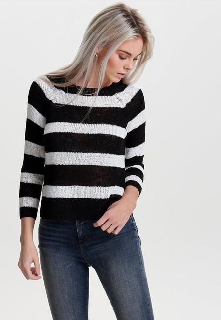 40% de descuento en el jersey de punto Only Titania Stripe Knit: se queda en 14,95 euros en Zalando