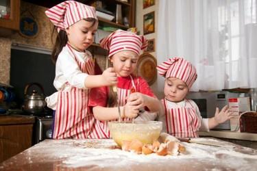 Metemos a los niños en la cocina Cazando Gangas