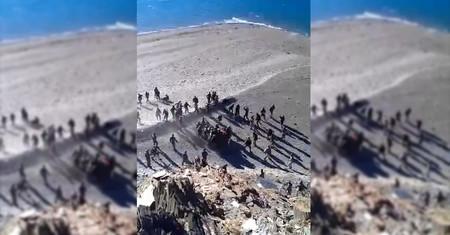 El video de unos soldados indios y chinos tirándose piedras que ilustra la creciente crisis de Bután