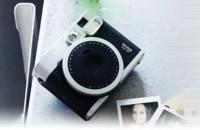 No solo la Polaroid te imprime una foto al instante, la Fujifilm Instax Mini también