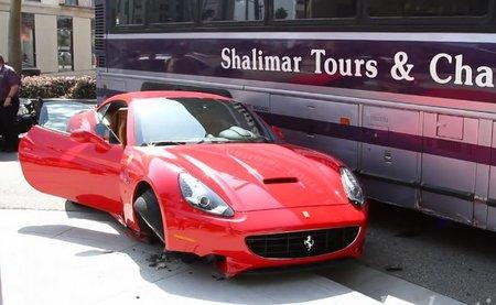 Dolorpasión™: Autobús 1 - Ferrari California 0
