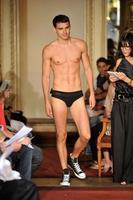 Alexis Mabille se pasa a la lencería masculina: Lingerie pour homme