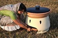 Eliodomestico, un destilador casero y barato para desalar y purificar agua gracias al sol