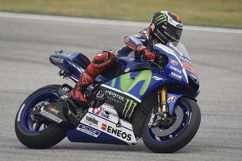 Jorge Lorenzo comienza mandando el viernes en Valencia con el Repsol Honda a la zaga