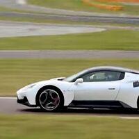 ¡Ya ruge! Así suena el Maserati MC20 ultimando su desarrollo en el circuito de pruebas de Ferrari