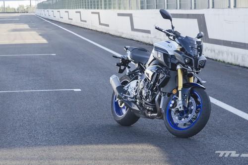 Probamos la Yamaha MT-10 SP: una moto desnuda de 160 CV con un carácter salvaje y precisión de deportiva