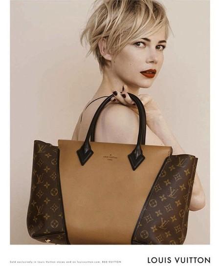 A todo el mundo le sienta bien un Louis Vuitton pero a Michelle Williams... eso es otro rollo
