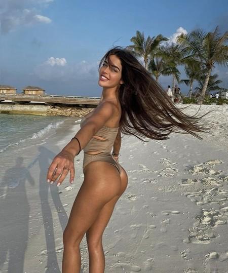 Violeta Magriñán, 'Tiktoker' y 'embarazada de fideuá' durante sus vacaciones en Ibiza