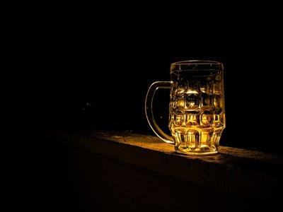 Lo malo de que las botellas de cerveza sean de vidrio (y lo bueno)