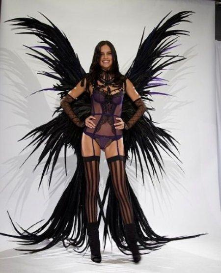Adriana Lima fitting