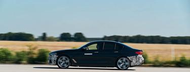 Este BMW Serie 5 Power BEV es un coche eléctrico de 720 CV que quiere destronar al Tesla Model S
