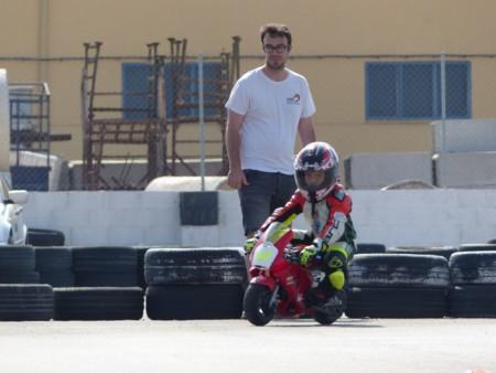 Casco Rojo Escuela Motociclismo 2