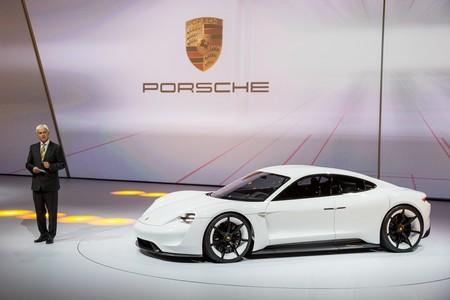 Porsche Mission E Muller