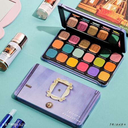 11 paletas de sombras de ojos de la colección de maquillaje Friends x Revolution con estupendos descuentos en Druni
