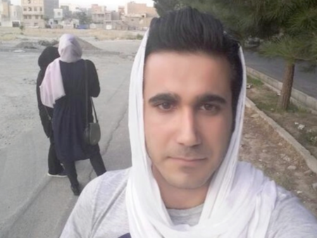 Hombres usando hiyab y mujeres rapándose la cabeza: así responden los iraníes a la ley de velo obligatorio